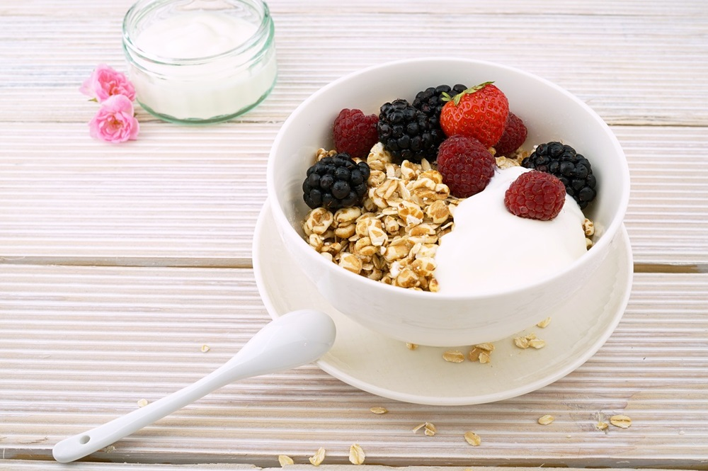 Various types of healthy snacks to help mothers during each pregnancy stage.